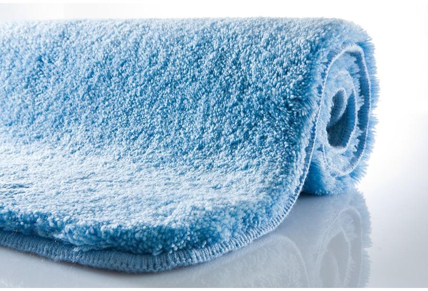 Kleine Wolke Badteppich Relax Azur rutschhemmender Rücken Öko-Tex zertifiziert